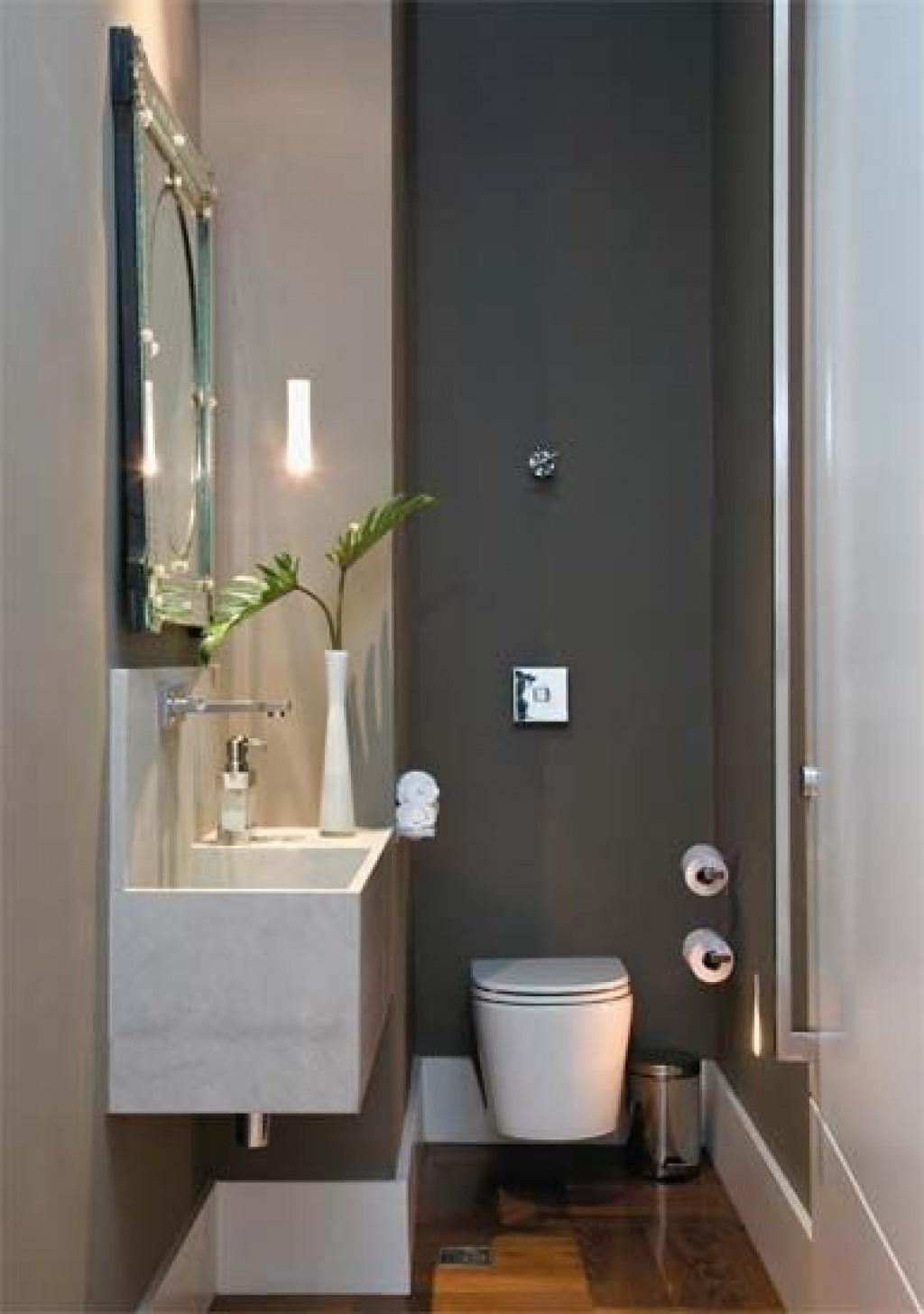 Resultado de imagem para banheiros pequenos e estreitos