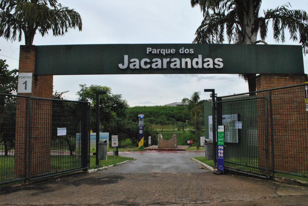 Cidades - Parques públicos fecham no período noturno e aos finais de semana