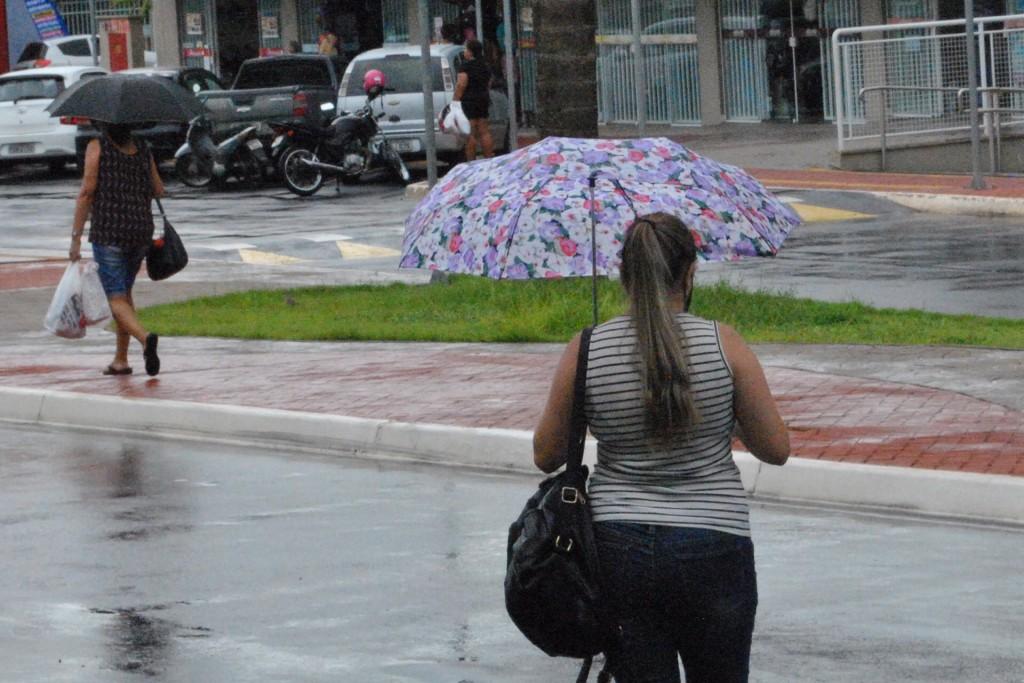Cidades - Manhã chuvosa na cidade: