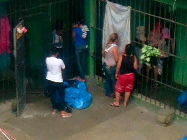 Polícia - Presas fazem rebelião na cadeia pública em Santa Bárbara