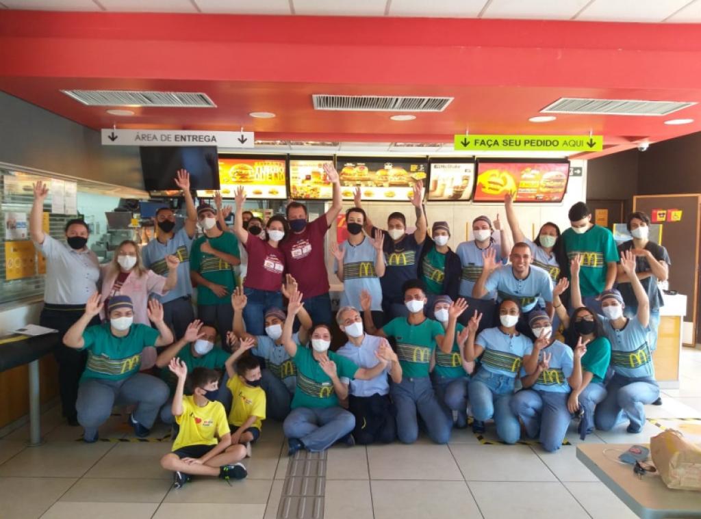 Cidades - McDia Feliz promove solidariedade  em prol da Rede Feminina de SB