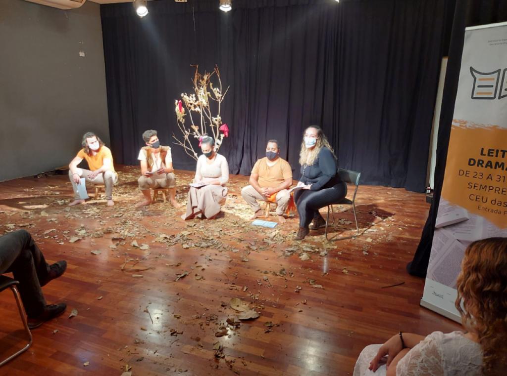 Cultura - Projeto de leituras dramáticas segue no CEU das Artes
