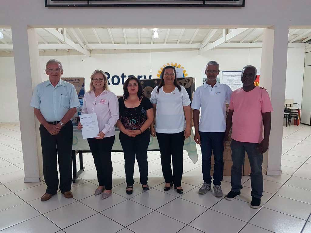 Cidades - Rotary Club de SBO faz entrega de doações a entidades