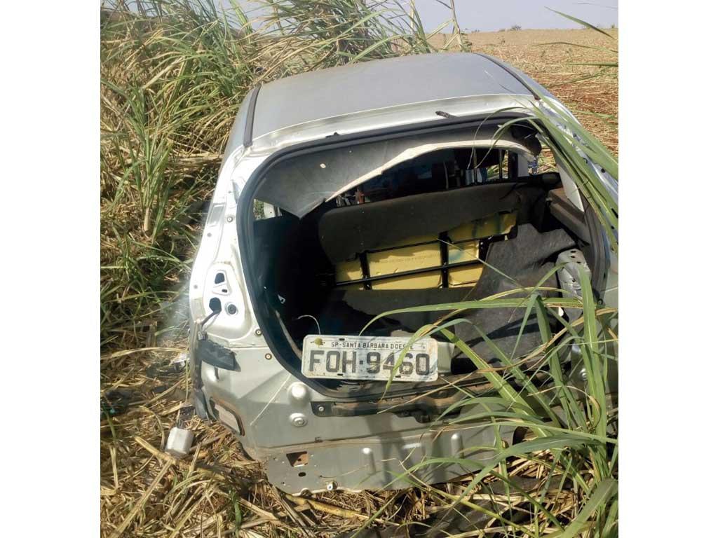 Polícia - Nove veículos encontrados depenados em área rural