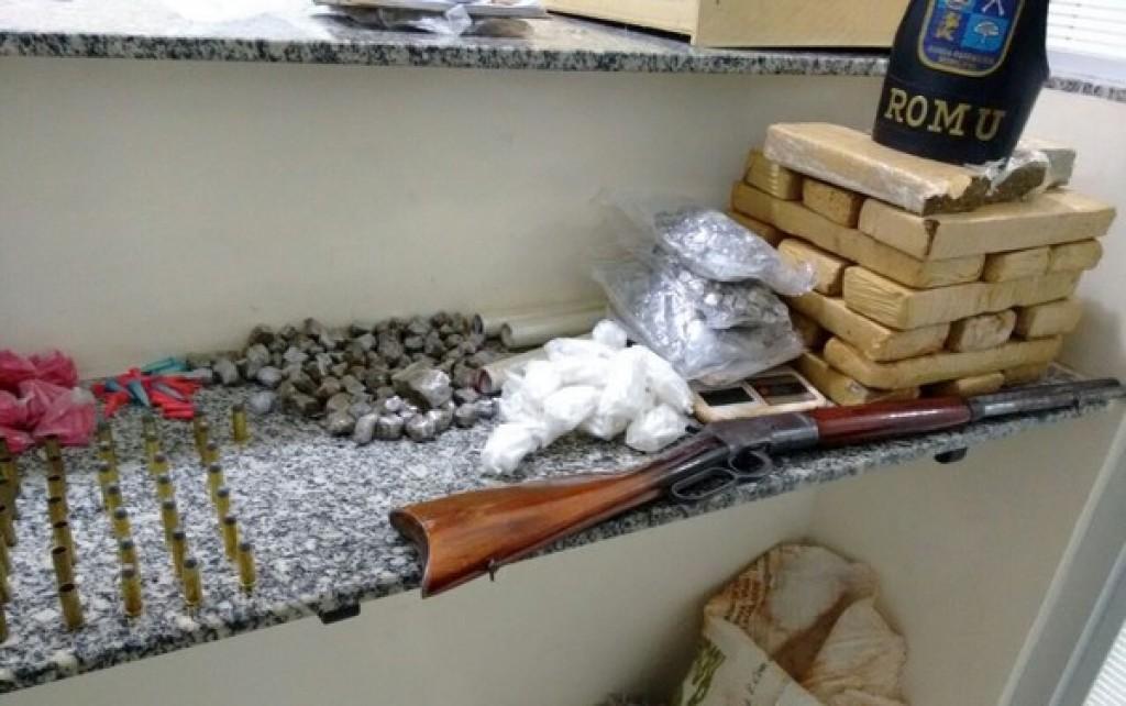 Polícia - Guarda apreende 18 quilos de maconha enterrados em sítio