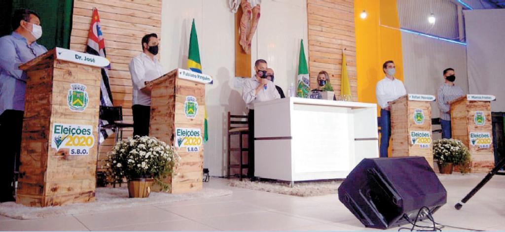 Política - Casa de Maria sedia debate  com candidatos a prefeito