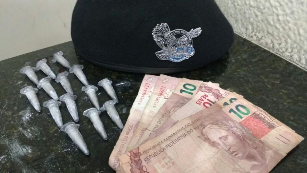 Polícia - Adolescente flagrado vendendo drogas