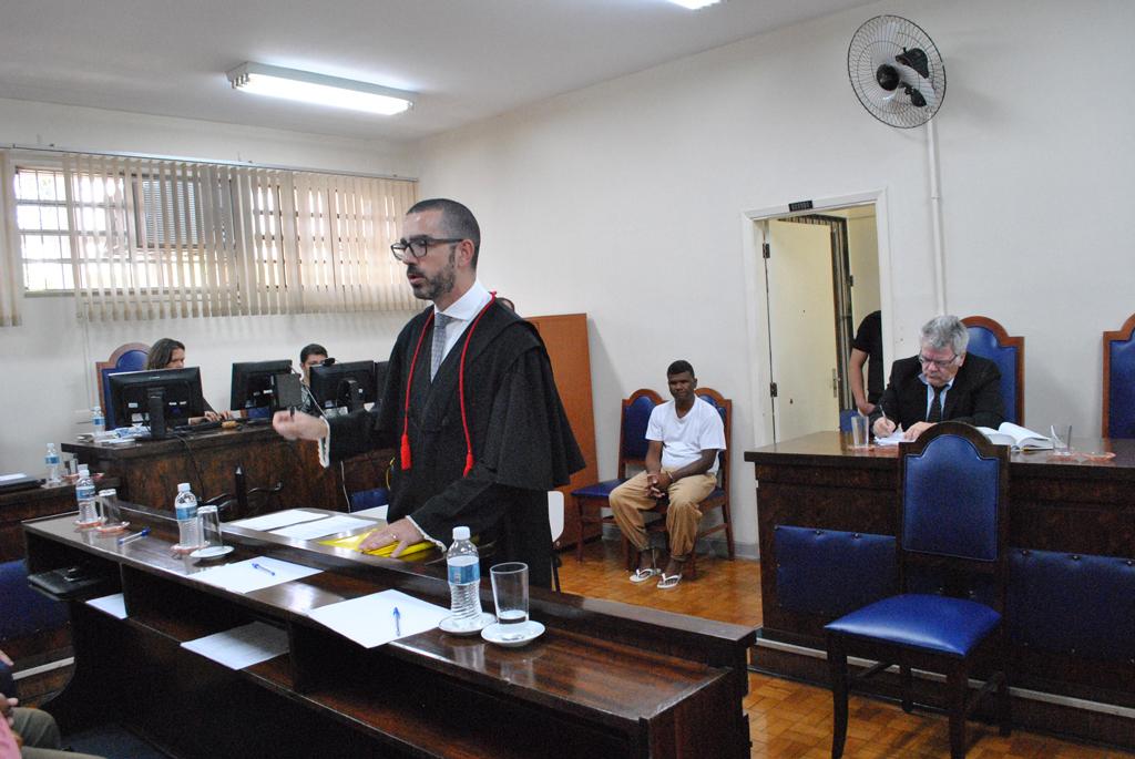 Polícia - Júri Popular: homem é condenado há 7 anos por homicídio