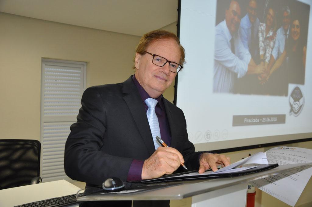 Cidades - CRCSP empossa novo delegado de S. Bárbara