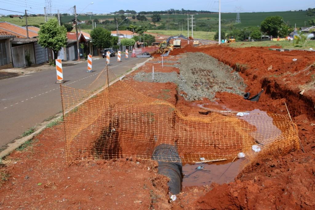 Cidades - Corredor Metropolitano danifica adutora e Zona Leste pode ficar sem água hoje