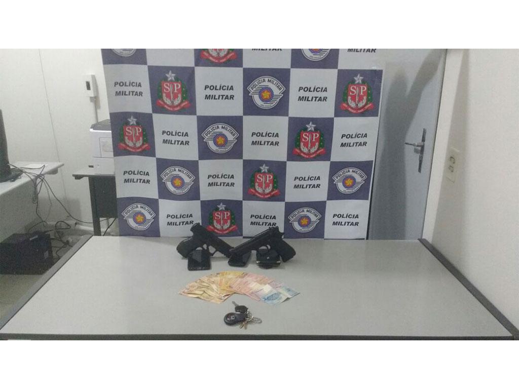Polícia - Quatro adolescentes presos após roubo de carro