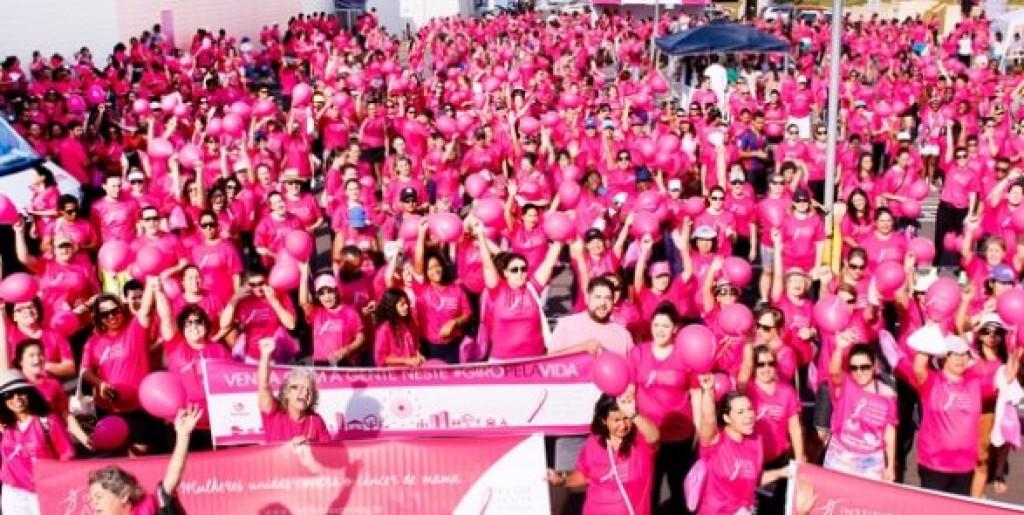 Cidades - Solidariedade: Rede Feminina vende camisetas da Campanha Outubro Rosa