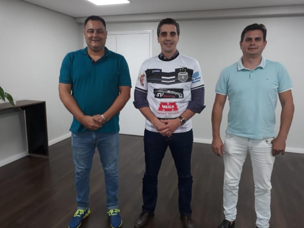 Esporte - Prefeito recebe dirigentes do União Barbarense