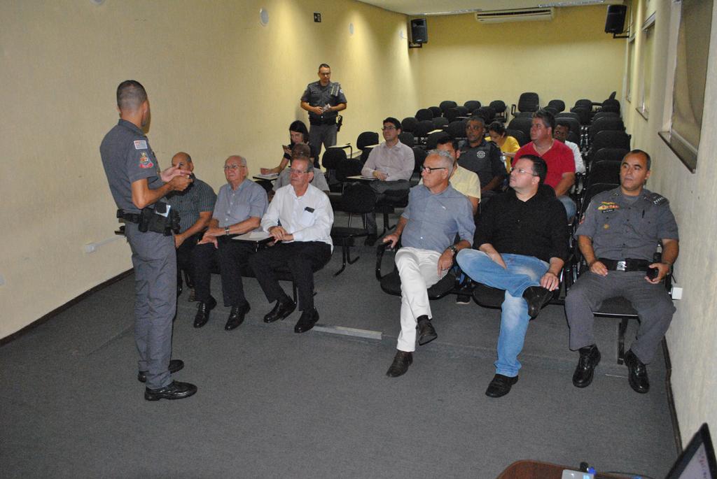 Cidades - PM divulga dados em audiência pública da ACISB