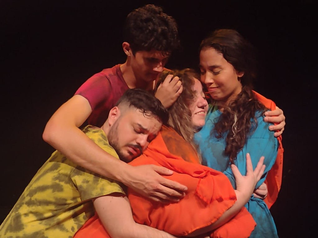 Cidades - Cia Arte-Móvel participa de Festival Nacional de Teatro