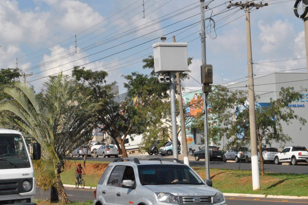 Cidades - Prefeitura lança nova licitação de radares