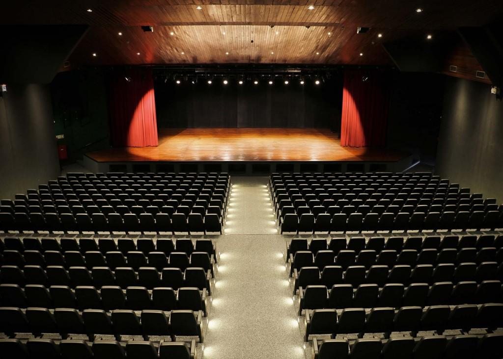 """Cultura - Reforma do """"Teatro Manoel Lyra"""" é concluída"""