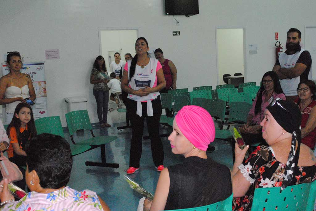 Saúde - Dia D do Outubro Rosa reúne pessoas na luta contra o câncer de mama