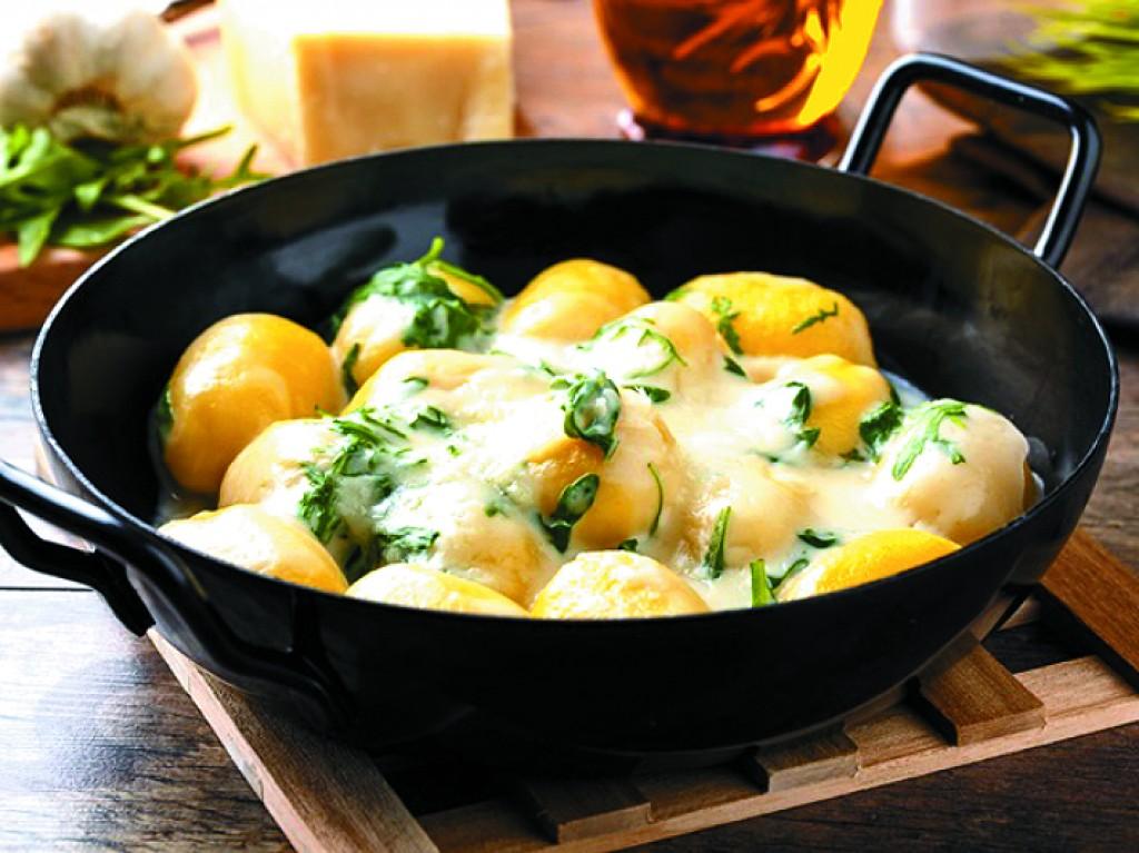 Receitas - Capeletti do molho de gorgonzola e pesto