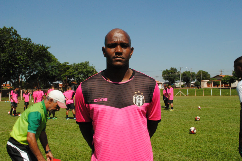 Esporte - União aguarda liberação internacional de dois jogadores