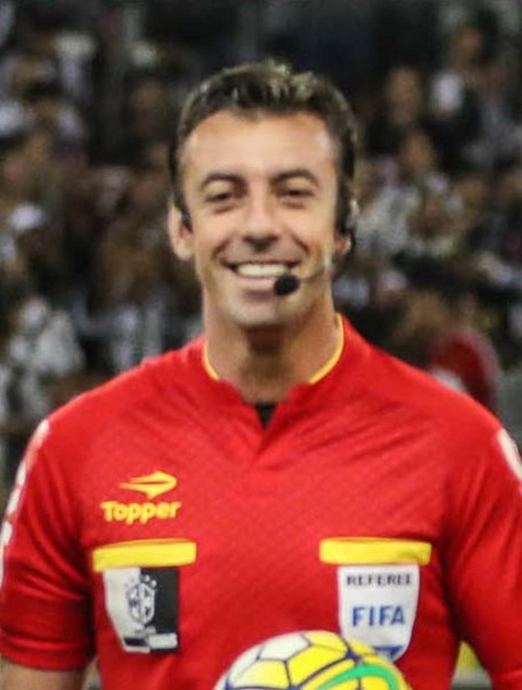Esporte - Claus eleito o melhor do Paulistão de novo