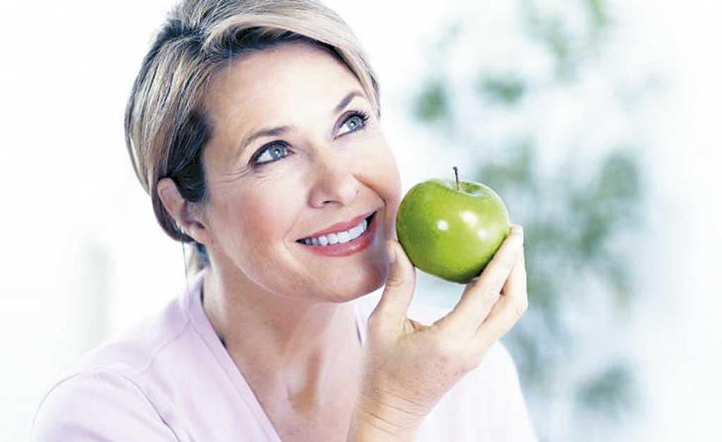 Caderno Mulher - Alimentação ajuda a combater sintomas da menopausa
