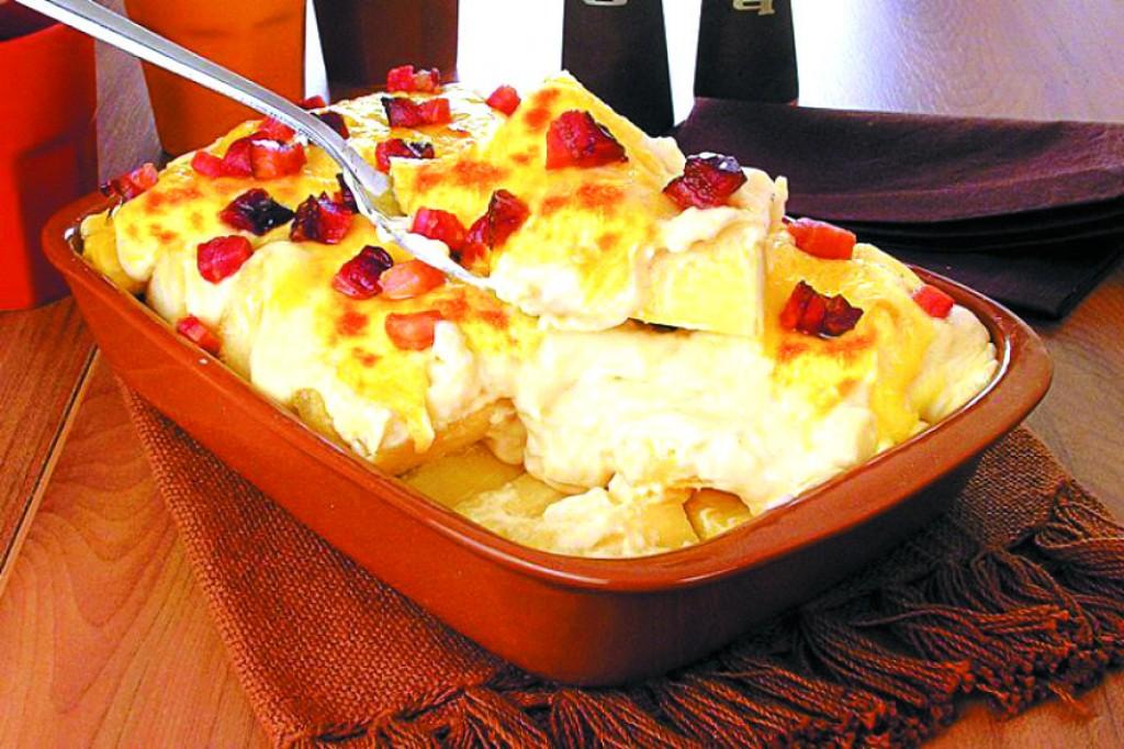 Receitas - Torta de mandioca com bacon