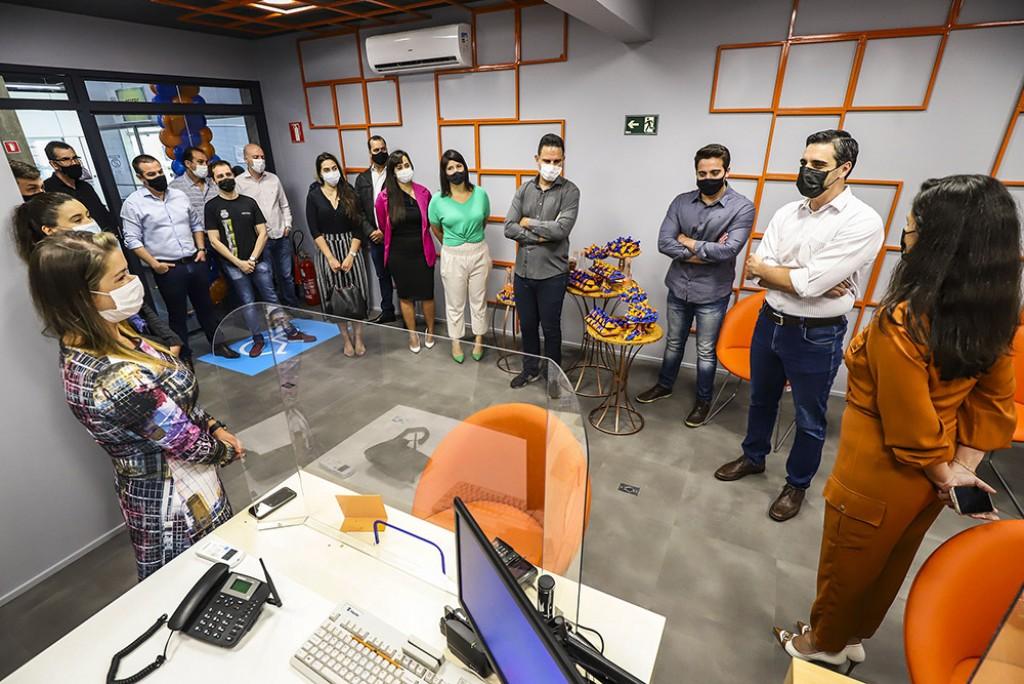 Cidades - Prefeito Rafael Piovezan participa da abertura do Itaú no Paço Municipal