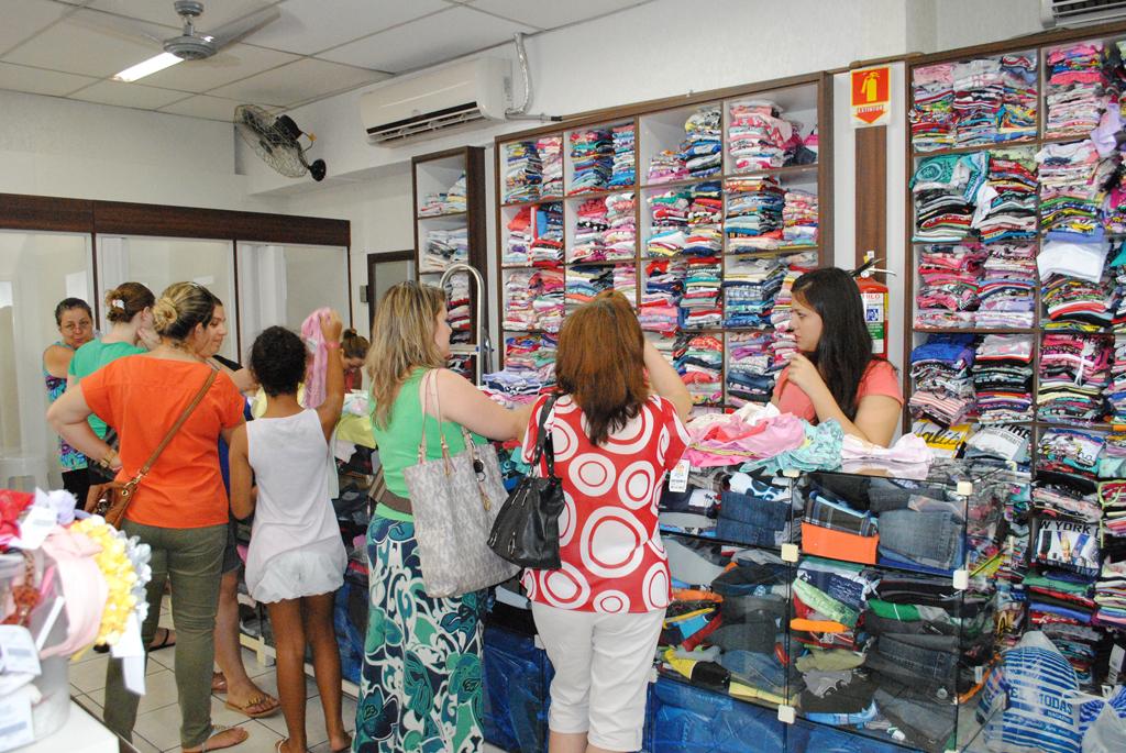 Cidades - Natal: comércio abrirá em horário especial a partir do dia 5