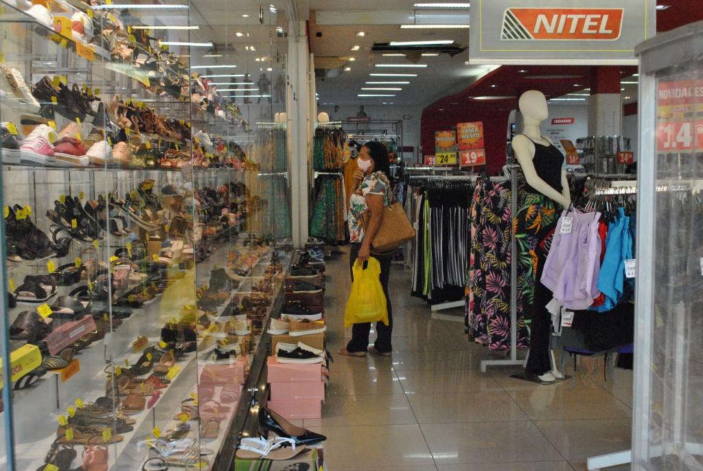 Cidades - Comércio e shopping manterão delivery aos finais de semana