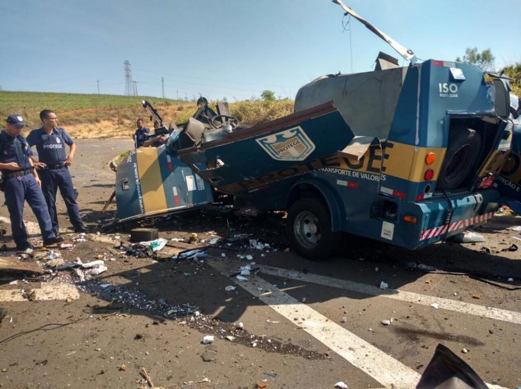 Polícia - Tentativa de assalto interdita SP-304 hoje pela manhã